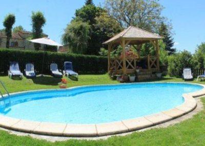 Le Châtaignier pool